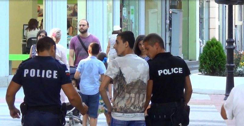 НА ЖИВО: Бум на заразени полицаи от