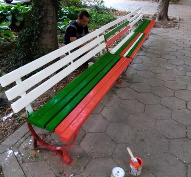 Мъж преобрази три пейки в Пловдив – ей така, за да е хубаво