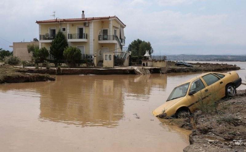 300 литра на кв/м… Жертвите от потопа на Евбея – най-малко 7