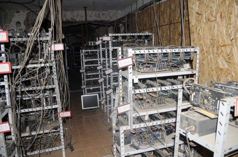 Разбиха ферма за криптовалута в Кюстендил, двама са в ареста
