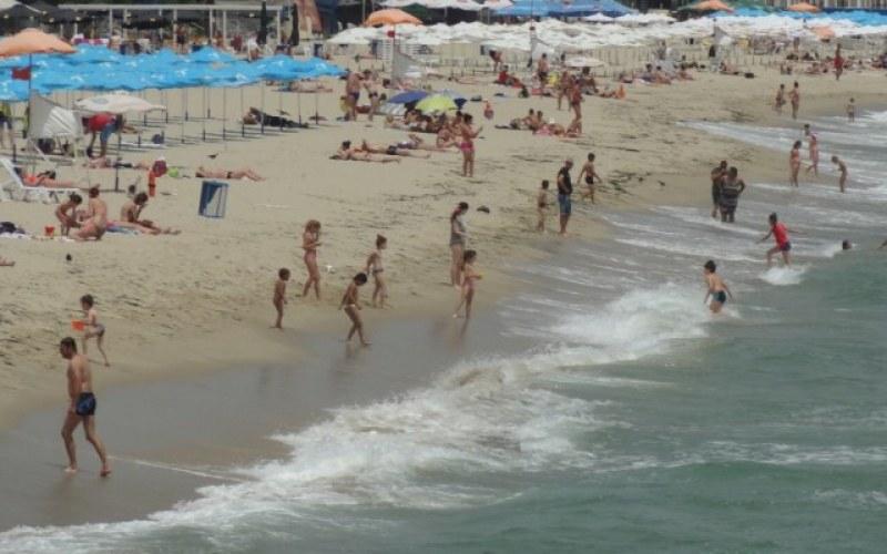 550 хил. българи превзеха родните плажове. Някои от тях за пръв път!?