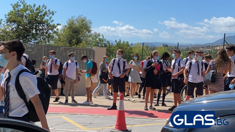 Учениците в Испания тръгнаха на училище - тези правила ли чакат и България?