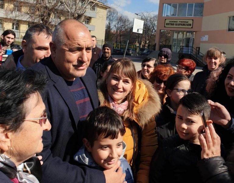 Премиерът за училищата: Вирусът е още сред нас, ще се появят проблеми, но…