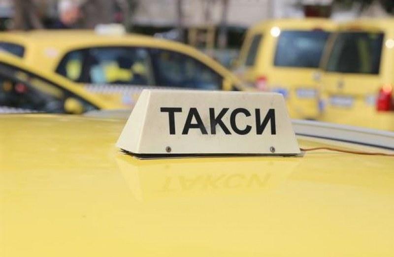 Младеж с нож ограби шофьорка на такси в Пловдив, не се радва дълго!