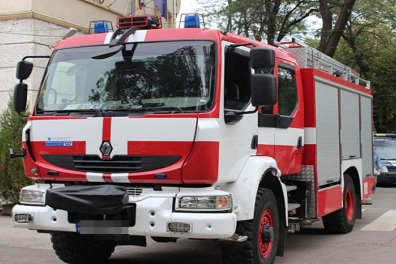 Жена пострада при пожар в дома си, цялата ѝ покъщнина изгоря!