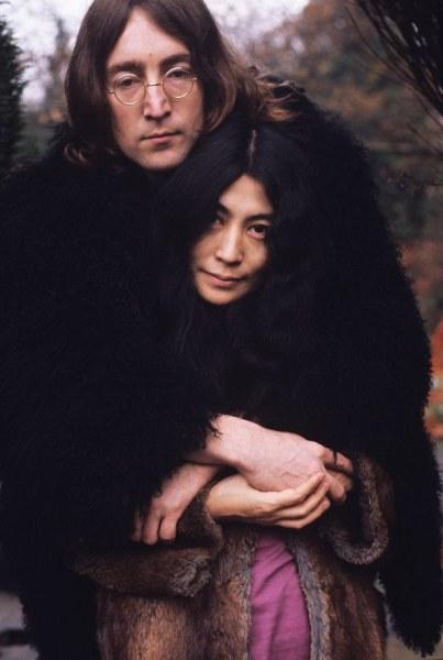 Убиецът на Джон Ленън иска прошка от Йоко Оно СНИМКИ