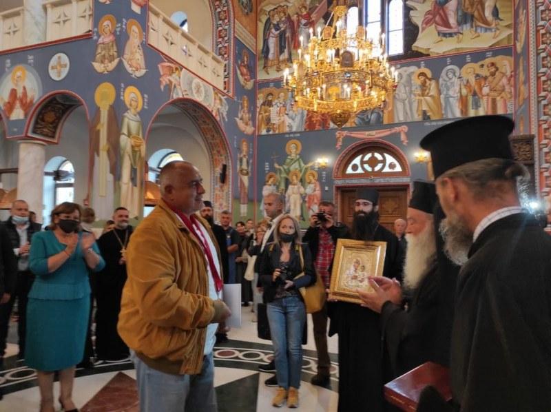 Борисов: Ще даваме по 50 лв. на пенсионерите докато има пандемия