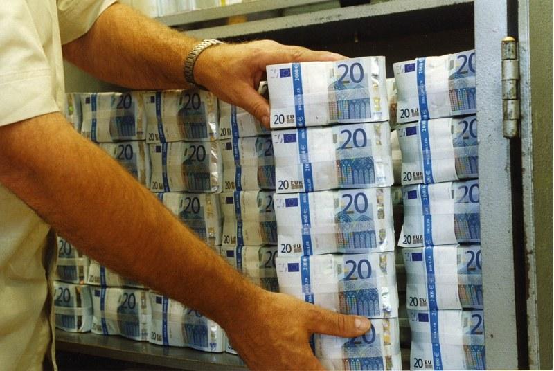 Евромилиарди потичат към нас, ама… при какви условия? Кой ще ги усвои?