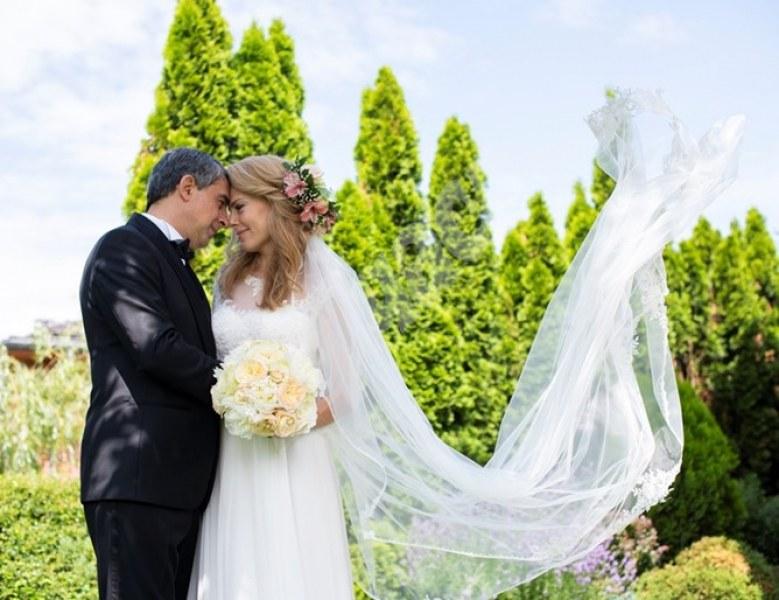 Лъжа е… Плевнелиева скастри жълтурите: Не се развеждаме!