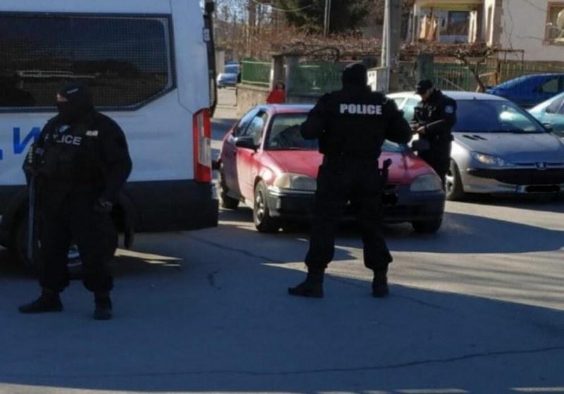 Спецакция! Арестуваха 14 души заради наркотици