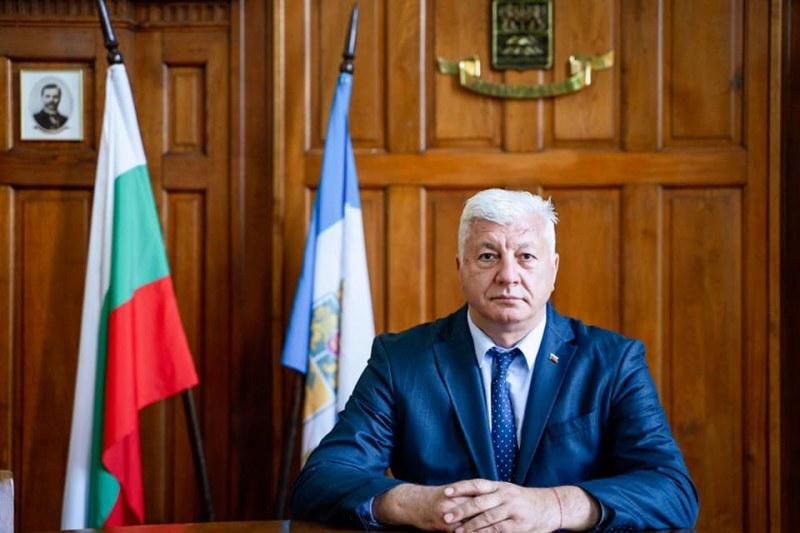 Кметът на Пловдив с положителен PCR тест!
