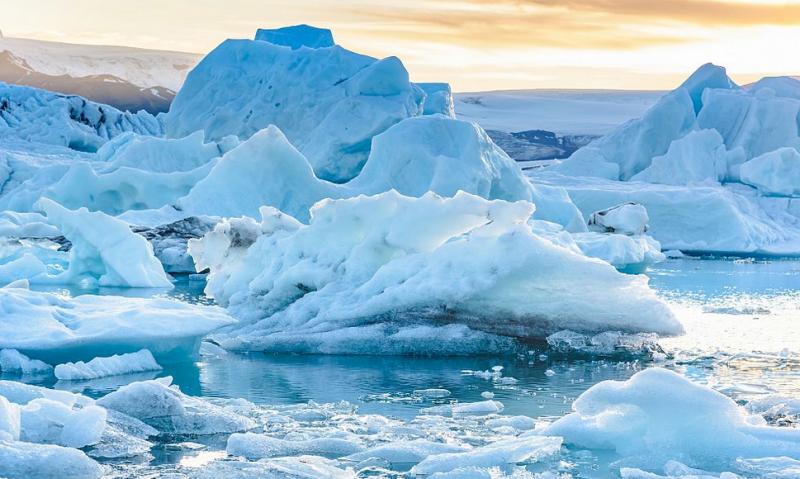 Ледът в Арктика намаля драстично