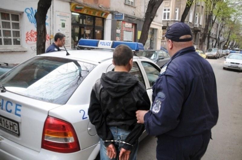 Двама българи - баща и син, арестувани за пране на пари в Сърбия