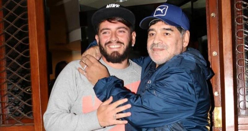 Светът скърби за Марадона, а синът му… в реанимация, в битка с вируса