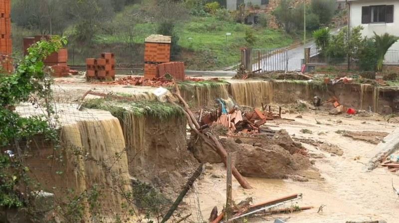 Воден апокалипсис в Сардиния: Трима удавени, двама изчезнали ВИДЕО