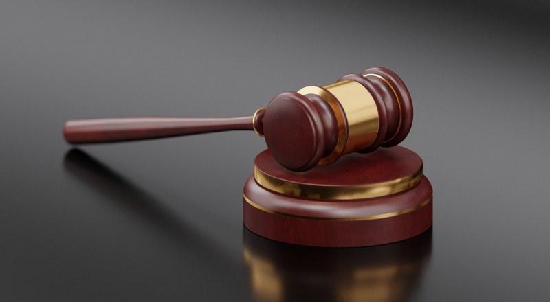 Три жени влизат в затвора, излъгали пред нотариус