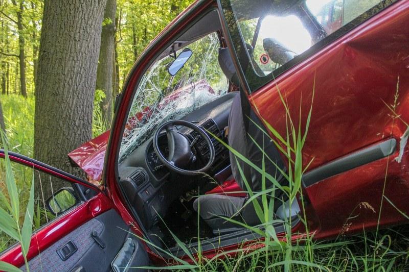 Кървав ад на пътя: Кола в насрещното, челен сблъсък и три жертви