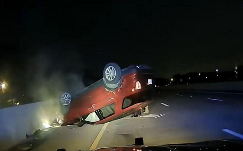 Полицай блъсна и обърна колата на бременна. Не спряла навреме! ВИДЕО
