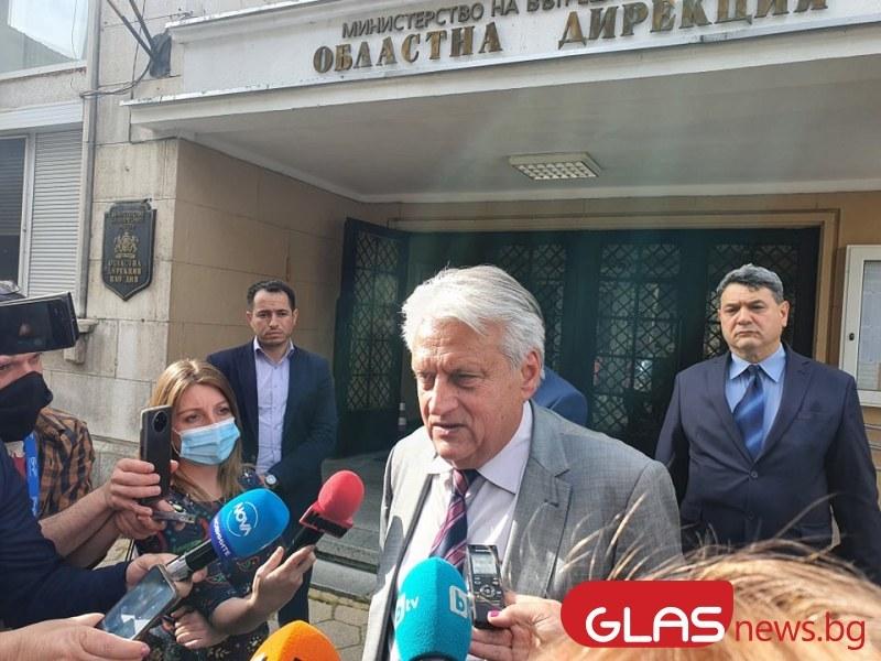 За схемите за предизборен натиск и отстранения временно полицейски шеф Рогачев ВИДЕО