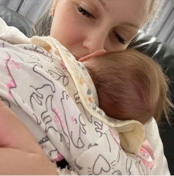 Вивиан – бебчето на Деси Бакърджиева, която роди след смъртта на любимия си