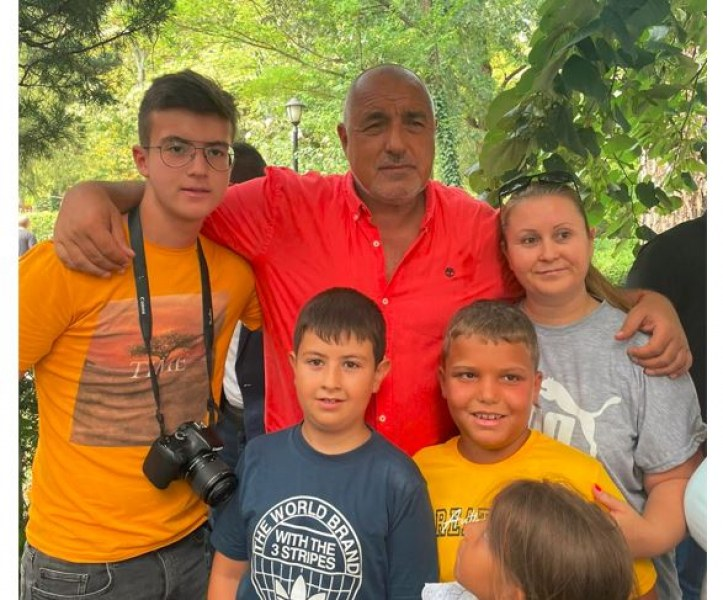 Румен Радев организира протеста срещу кандидата за премиер на Трифонов