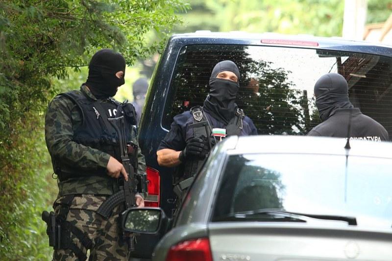 Спецакция в Бургас! Има задържани