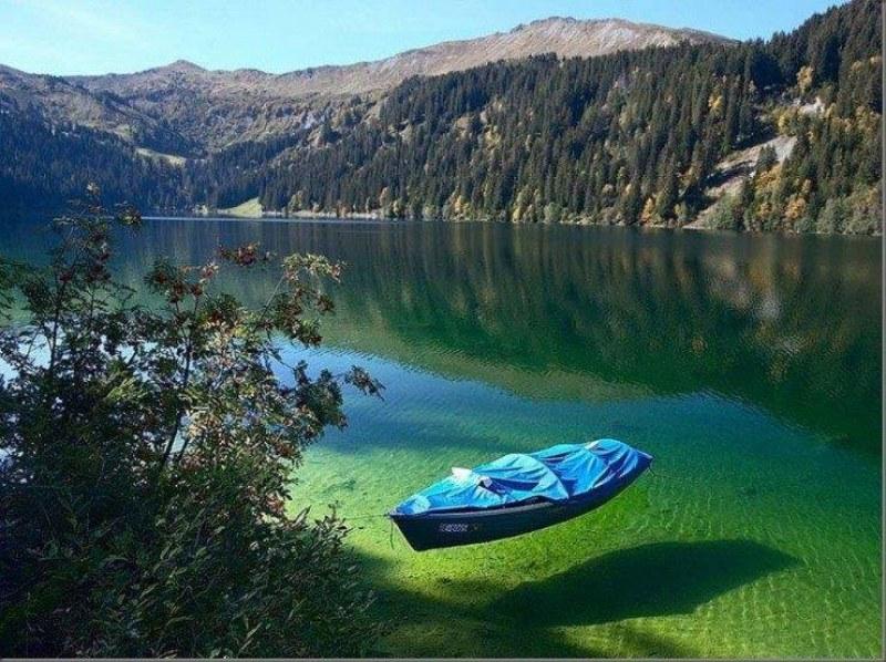 Защо кракът ви не може да стъпи във водите на най-чистото езеро в света?