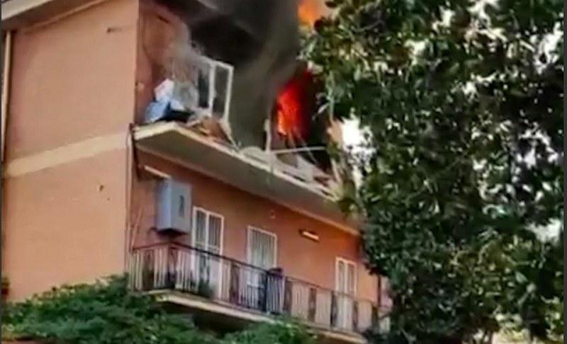 Експлозия в 5-етажна сграда в Рим! Има ранени, търсят хора под отломките ВИДЕО