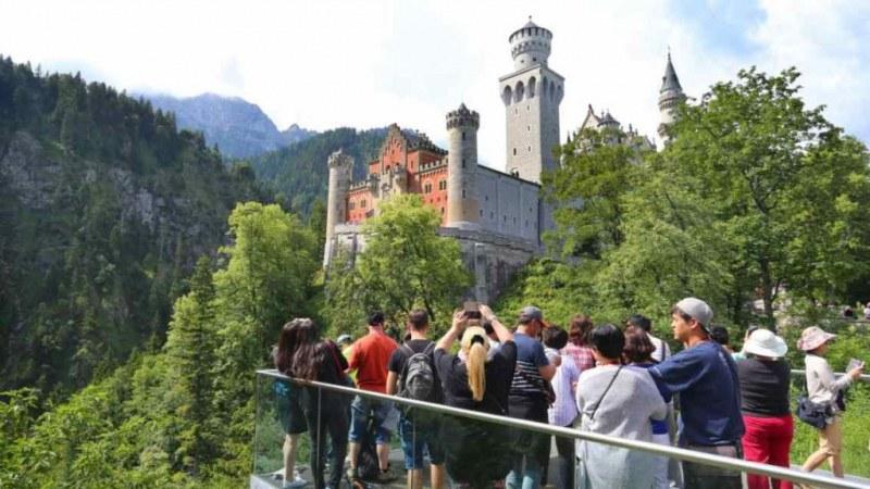 Туристи изчезнаха в замъка Нойшванщайн: случаят все още е загадка