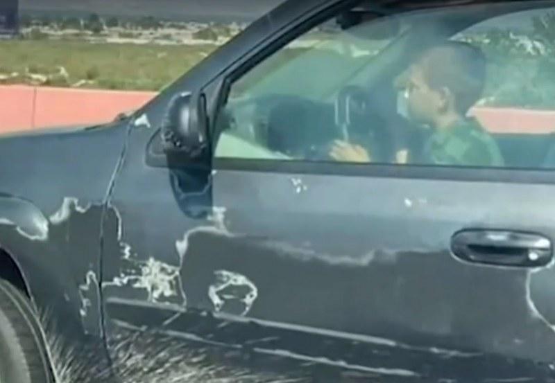 12-годишен сви джип, дрифти в опит да избяга от полицията ВИДЕО
