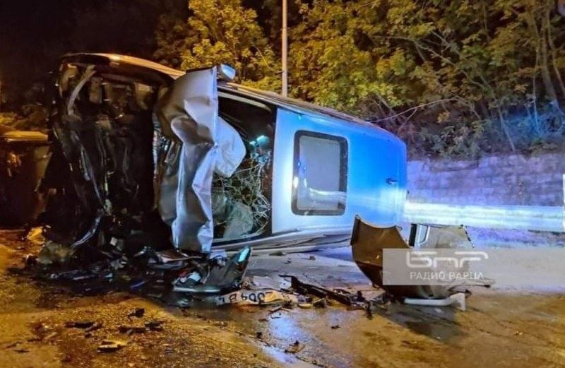 2-годишно дете е в болница след тежката катастрофа във Варна