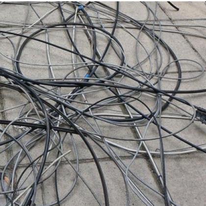 Крадци задигнаха 60 метра кабел, оставиха част  Пазарджик без тролеи