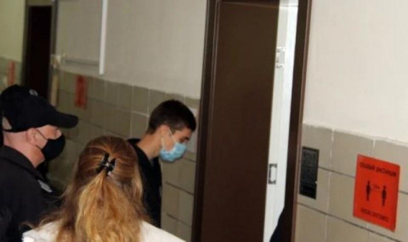 Дрифтаджията, помел млади момичета в Стара Загора, остава под домашен арест