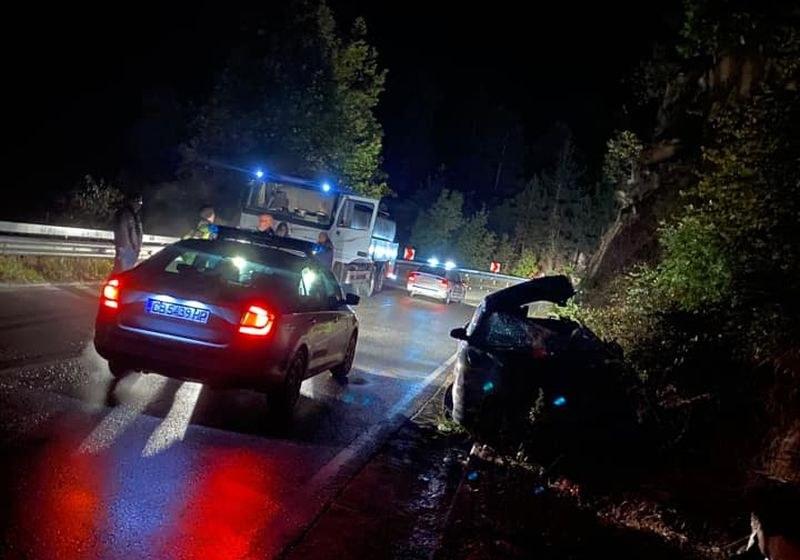 Тежка катастрофа на пътя Асеновград - Бачково! Движението е спряно СНИМКИ