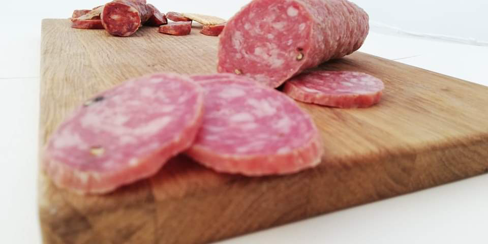 Кръгче шпек = нервни деца. Защо колбасите причиняват алергии?