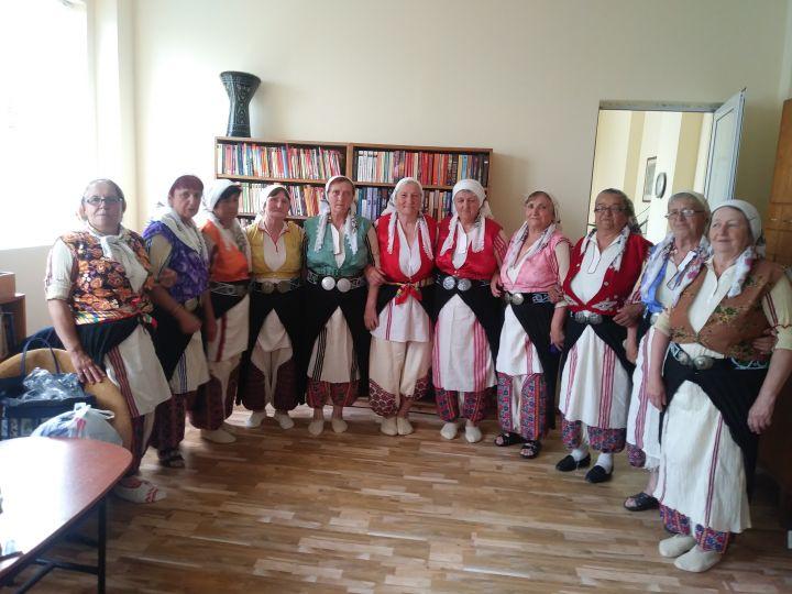 """Фолклорната група към Клуб """"Алиана""""- Бисерци участва в среща на алинската общност в село Черник"""