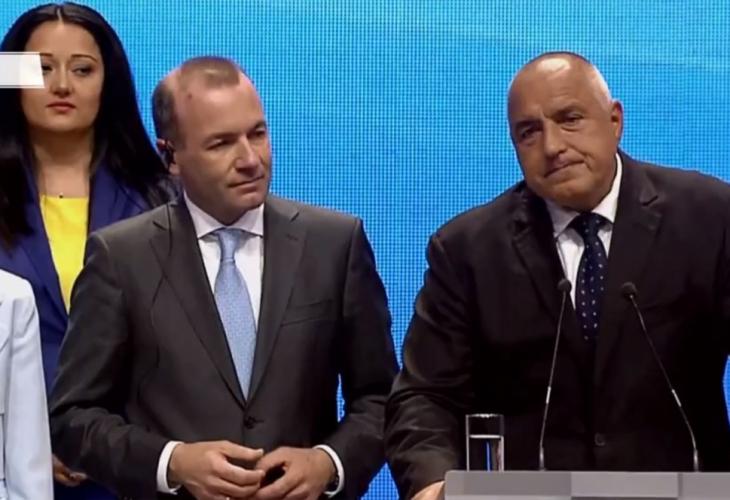 Борисов се закани да дърпа уши и призна кой го измъчва с есемеси (СНИМКИ)
