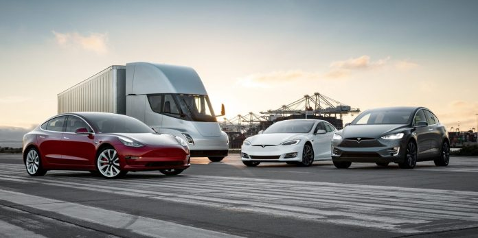 Tesla приключи тримесечието с над $700 милиона чиста загуба
