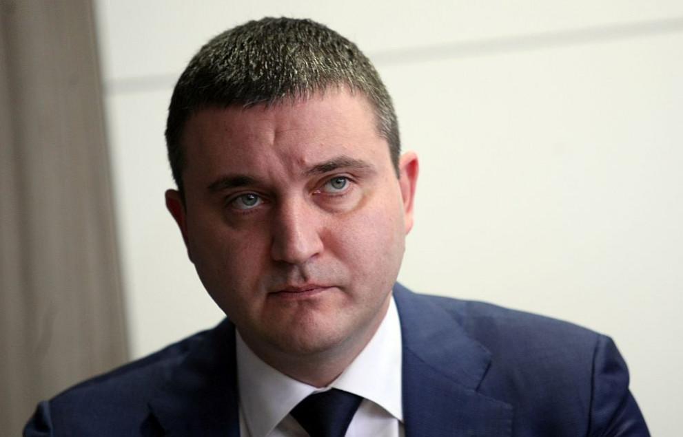 Горанов: Имаме готовност за платим наведнъж за изтребителите