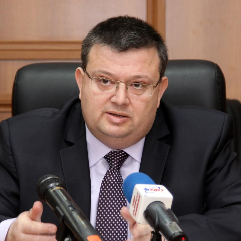 Главният прокурор Сотир Цацаров поиска снемане на имунитета на народния представител Георги Михайлов във връзка с данъчно престъпление
