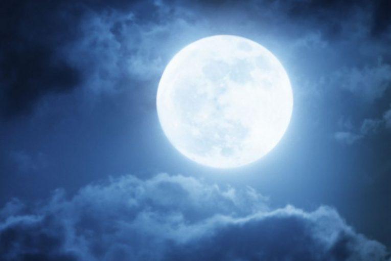 Как ще се отрази ягодовата луна на различните зодиакални знаци