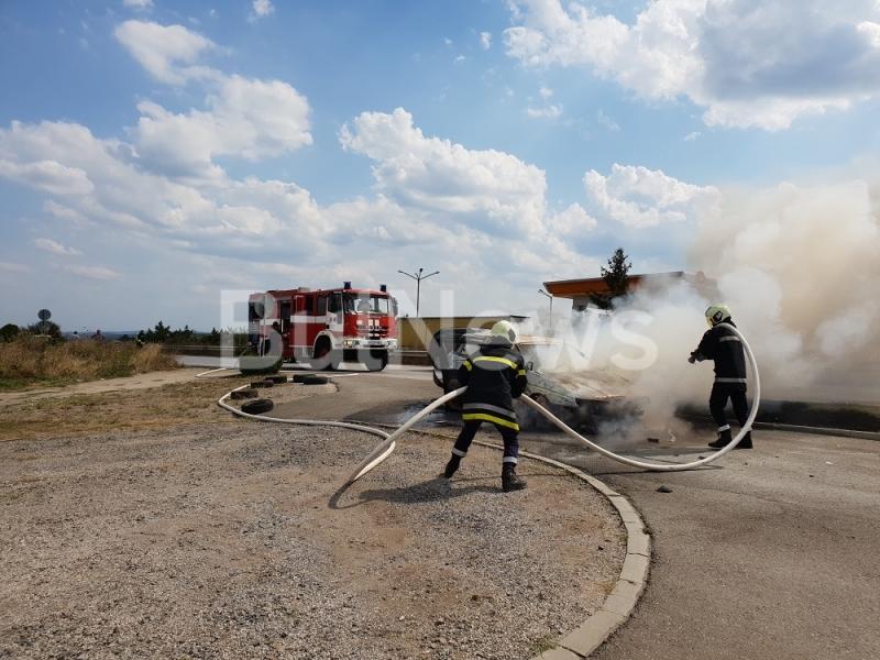 Кола гори до бензиностанция край Враца