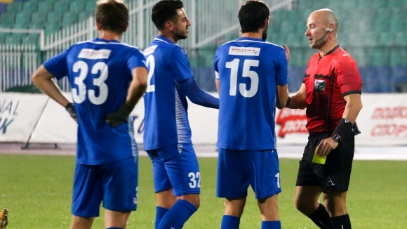 Защитник на Верея преминава в лидера в първенството на Гибралтар