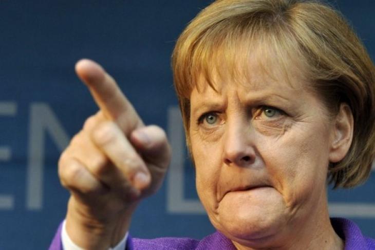 Меркел прикани Киев към сдържаност и благоразумие