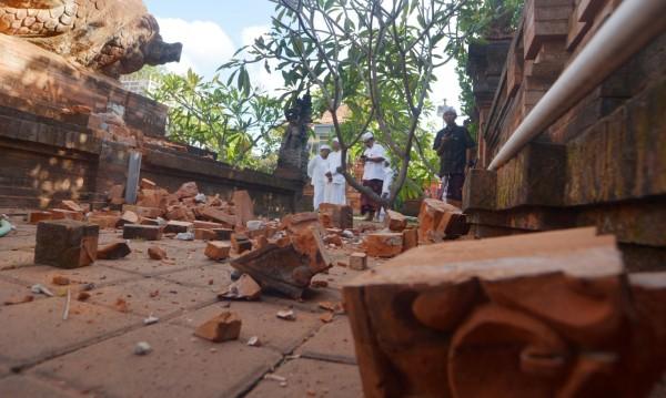 Трусът на Бали причини щети на жилища и храмове