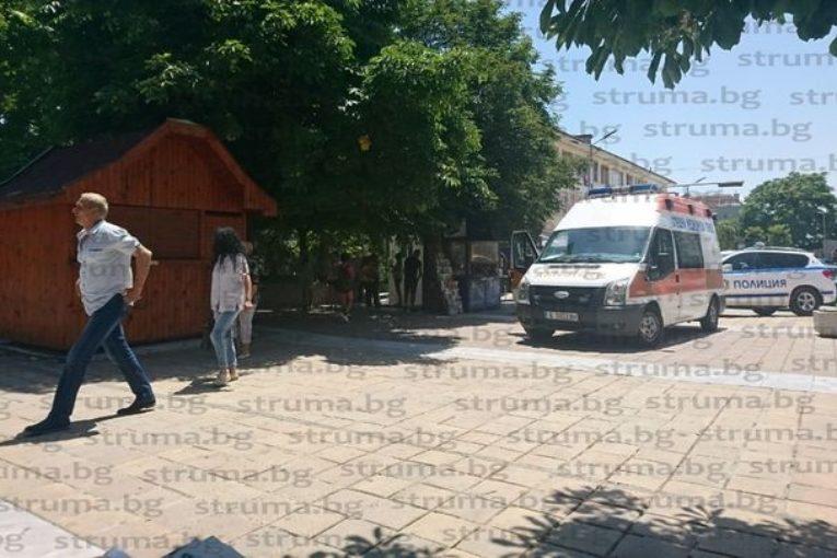 Мъж издъхна внезапно на площада в Сандански