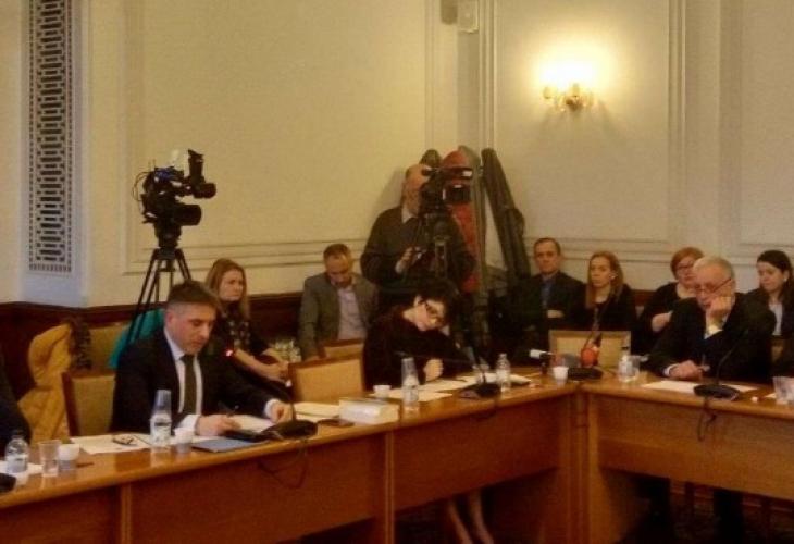 Правната комисия се зае да минимизира щетите нанесени от Лозан Панов (СНИМКИ)