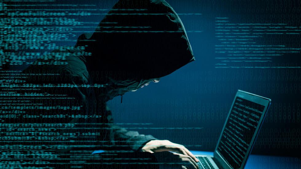 Разбиха международна кибер банда, откраднала 100 милиона долара