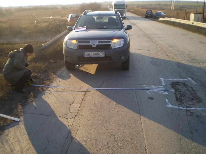 """Варна: Движението в участък от пътя към к. к. """"Златни пясъци"""" трябва да се осъществява с повишено внимание поради почистване на реголи и тротоари"""