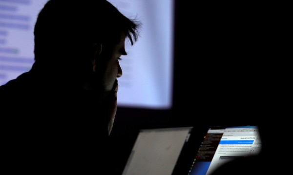 Удар: Хванаха хакери, откраднали 100 милиона! Замесена е и България